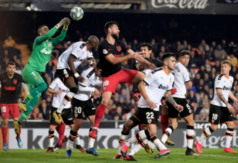 """Rezultatyvioje """"Valencia"""" ir """"Atletico"""" ekipų dvikovoje – lygiosios"""