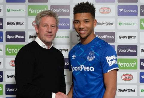 """M. Holgate'as susiejo savo ateitį su """"Everton"""""""