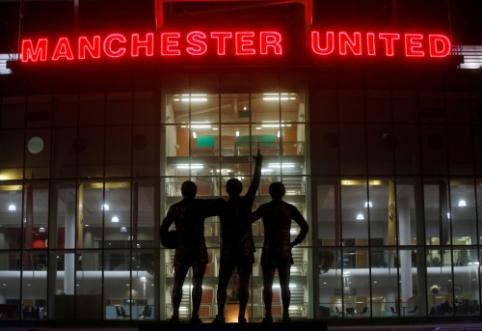 """""""Man Utd"""" savo darbuotojams algas mokės net už neįvykusias rungtynes"""