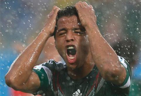 Teisėjo užkeikimą pralaužę meksikiečiai pergale pradėjo pasaulio čempionatą (VIDEO)