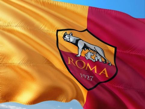 """""""Roma"""" futbolininkai ir trenerių štabas atsisakė atlygio už likusią sezono dalį"""