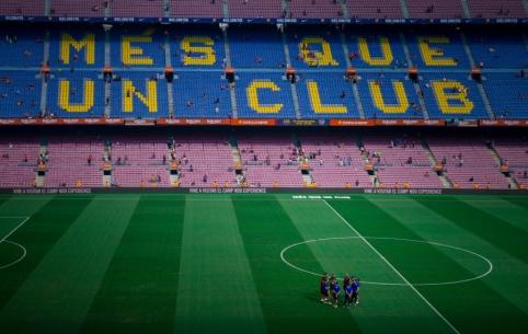 """""""Barcelona"""" žaidėjai persigalvojo: nesutinka mažintis atlyginimų"""