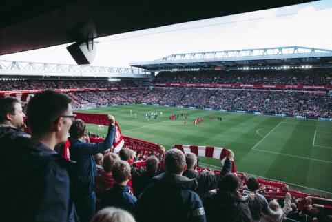 """""""Liverpool"""" neketina grumtis dėl J.Sancho"""