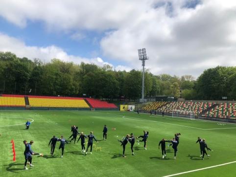 """""""Riteriai"""" pirmieji išbandė naująją LFF stadiono dangą"""