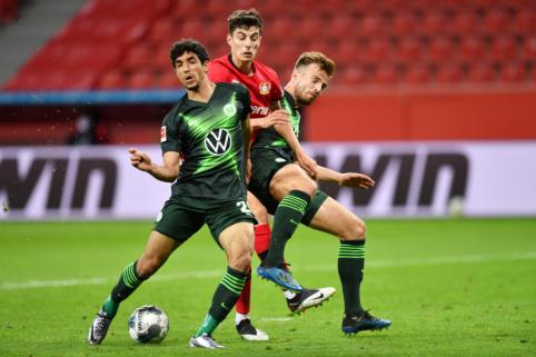 """""""Wolfsburg"""" sudavė skaudų smūgį """"Bayer"""" ekipai, """"Gladbach"""" nesugebėjo įveikti """"Werder"""""""