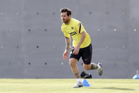 """""""Barcelona"""" rengia naują sutartį L. Messi"""