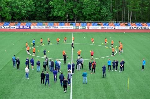 LFF konferencijoje bus svarstoma įvesti kompensacijas už žaidėjų perėjimą tarp akademijų