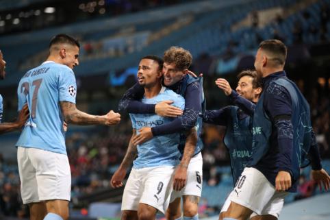 """R. Varane'o dovanėlėmis pasinaudojusi """"Man City"""" eliminavo """"Real"""", """"Lyon"""" pateikė sensaciją Turine"""