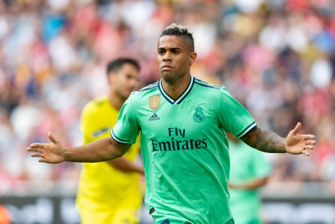 """Madrido """"Real"""" puolėjas karjerą pratęs Portugalijoje"""