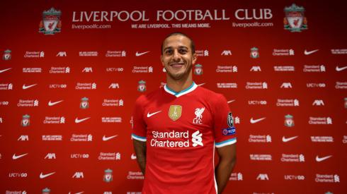 """Oficialu: Thiago keliasi į """"Liverpool"""""""