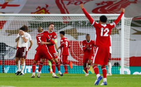 """Po praleisto įvarčio atsigavusi """"Liverpool"""" ekipa susitvarkė su """"Arsenal"""""""