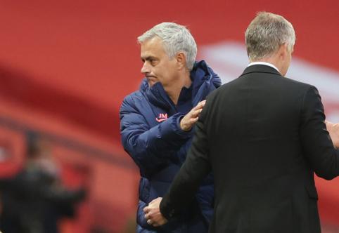 """J. Mourinho: """"Man Utd"""" dabar yra vieni iš pagrindinių favoritų triumfuoti Europos lygoje"""""""