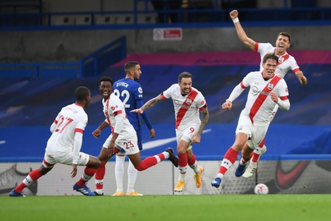 """Paskutinę rungtynių minutę """"Southampton"""" išplėšė lygiąsias prieš Londono """"Chelsea"""" ekipą"""