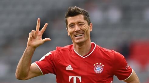 """""""Bundesliga"""": """"RB Leipzig"""" ir toliau rikiuojasi pirmoje vietoje, """"Bayern"""" iškovojo triuškinančią pergalę"""
