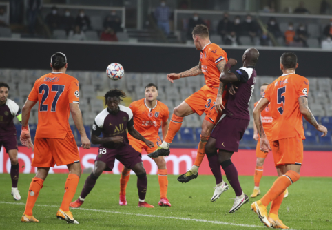 """Be Neymaro likę PSG futbolininkai nesunkiai susidorojo su """"Basaksehir"""" ekipa"""