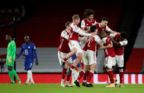 """""""Arsenal"""" nesėkmių ruožą nutraukė pergale prieš """"Chelsea"""""""