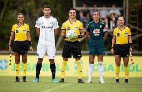 """Draugiškame mače """"Gremio"""" U–16 ekipa 6:0 sutriuškino Brazilijos moterų rinktinę"""