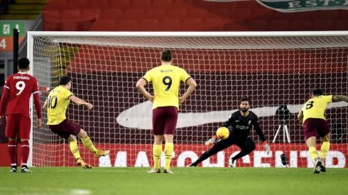 """Sensacija Anglijoje: """"Burnley"""" nutraukė """"Liverpool"""" nepralaimėtų rungtynių namuose seriją"""