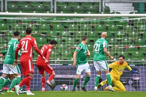 """""""Bundesliga"""": """"Bayern"""" pratęsė pergalių seriją"""