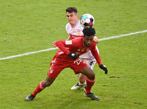 """Mažumoje rungtyniavusi """"Bayern"""" sutriuškino """"Stuttgart"""""""