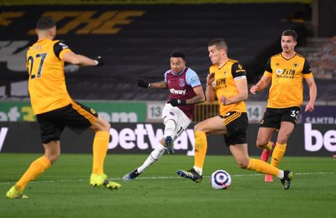 """Su """"Wolves"""" vos neprisižaidusi """"West Ham"""" ekipa kyla į pirmąjį """"Premier"""" lygos ketvertą"""