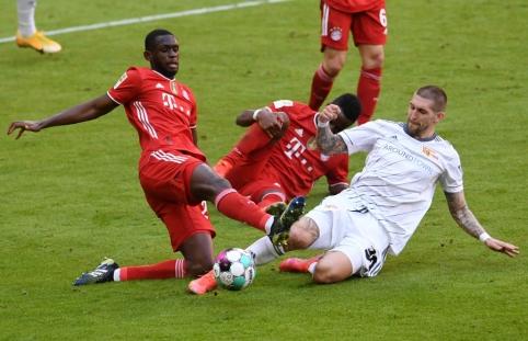 """""""Bundesliga"""": taškus dar kartą prarado """"Bayern"""""""