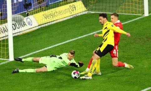 """""""Bundesliga"""": """"Borussia"""" pratęsė pergalių seriją"""