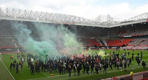 """Dėl sirgalių sukeltų neramumų nukeltos """"Man Utd"""" rungtynės"""