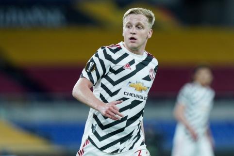 """""""AS Roma"""" planuoja įsigyti Donny van de Beeką"""