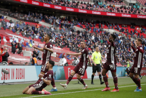 """""""Leicester"""" pirmą kartą klubo istorijoje iškovojo FA taurę"""