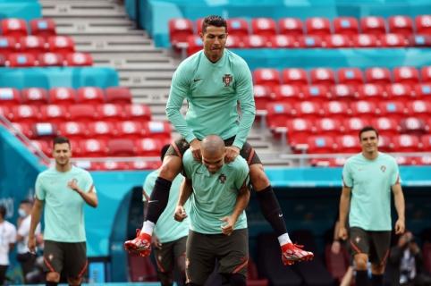 Penktoji EURO 2020 diena: čempionų startas ir pirmojo turo puošmena