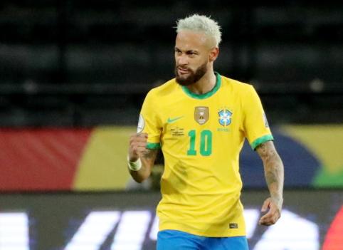 """""""Copa America"""": Neymaro įvartis ir brazilų sumindyti varžovai"""