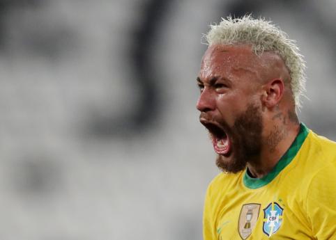 """""""Copa America"""": brazilai įveikė teisėją kaltinusius kolumbiečius"""