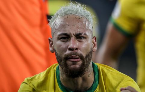 Neymaro bėdos: neišnaudotas puikus šansas ir skausmingas varžovo spyris