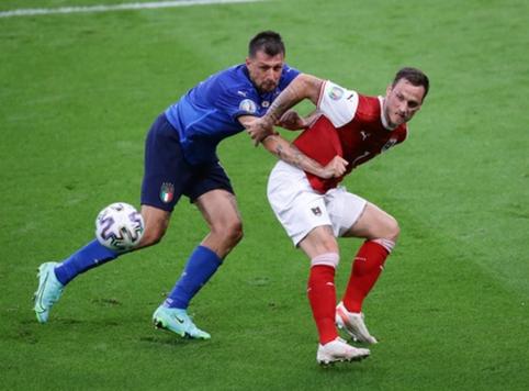 Pasirodymą EURO 2020 su austrais baigęs M. Arnautovičius gali kitą sezoną žaisti Italijoje