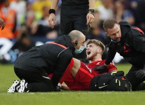 """Šiurpia trauma pažymėtose rungtynėse """"Liverpool"""" įveikė """"Leeds United"""""""
