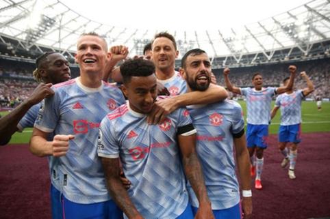 """G. Neville'as: J. Lingardas turėjo palikti """"Man Utd"""""""