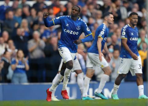 """""""Everton"""" toliau nepaleidžia """"Premier"""" lygos lyderių, """"Leicester"""" nesugebėjo įveikti """"Burnley"""""""