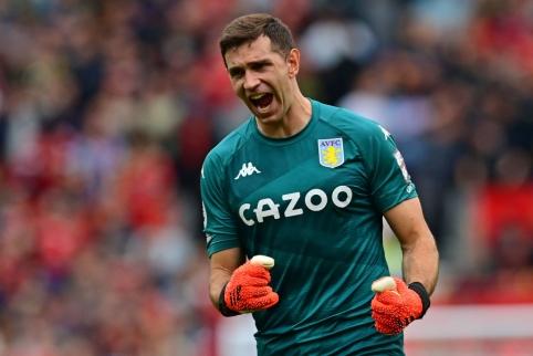 """""""Aston Villa"""" prieš """"Man Utd"""": vartininko reikalavimas ir fanų skanduotė"""