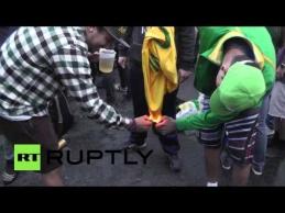 Brazilų sirgaliai degino Neymaro marškinėlius