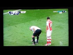 """Teisėjas apipurškė """"Arsenal"""" žaidėją putomis"""
