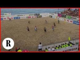 Neįtikėtinas įvartis paplūdimio futbole