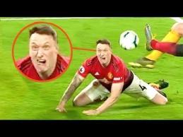 Juokingi futbolo momentai